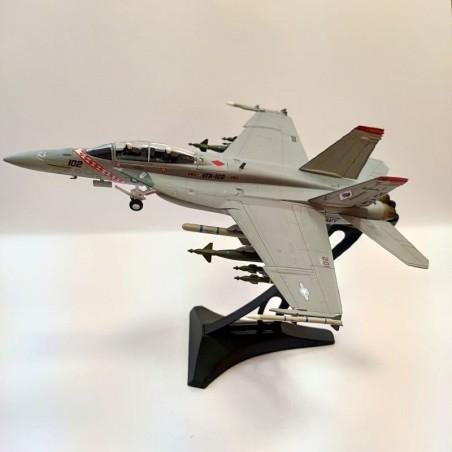 Dragon Models 1:72 Warbirds 50082 McDonnell Douglas F/A-18F Super Hornet USN VFA-102 Diamondbacks, NF102, USS Kitty Hawk