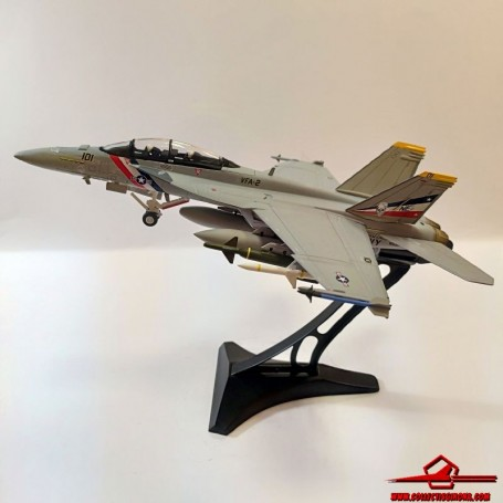 Dragon Models 1:72 Warbirds McDonnell Douglas F/A-18F Super Hornet USN VFA-2 Bounty Hunters, NE101, USS Abraham Lincoln, 2004