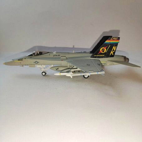 Dragon Models 1:72 Warbirds McDonnell Douglas F/A-18C Hornet USN VFA-25 Fist of the Fleet, NK400, CAG, USS Independence, 1990